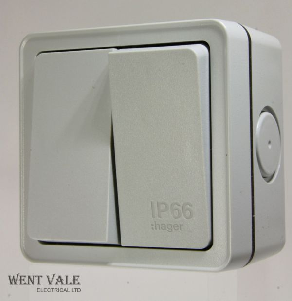 Hager Sollysta IP66 Range - WXPPS22 - 10a 2 Gang 2 Way Surface Outdoor Switch